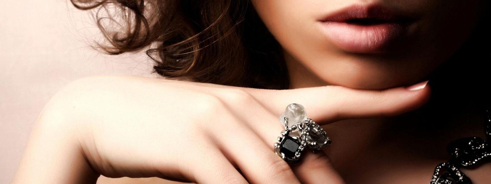 Enhance your beauty with Shakti Jewellers